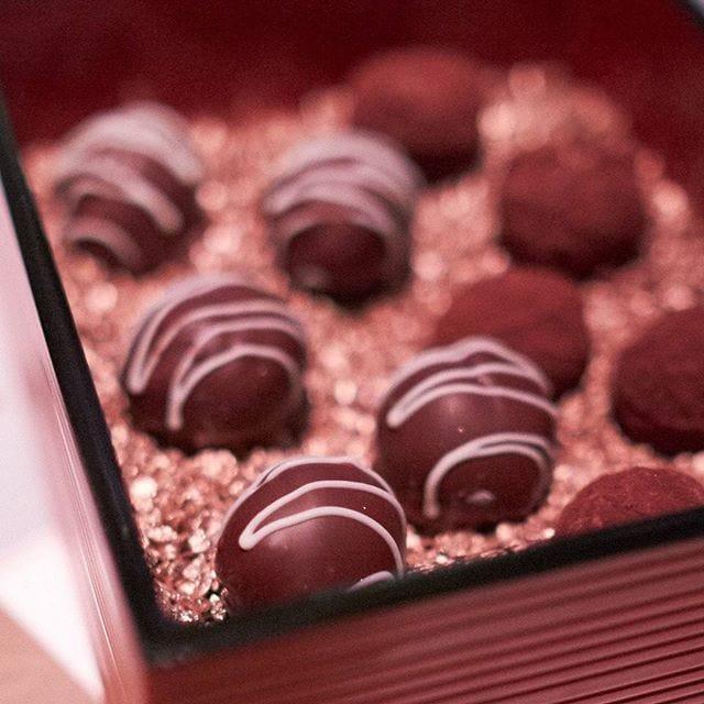 Smoked Margaret River chocolates – the final treat at Perth's Longest Lunch! #perthslongestlunch @perthslongestlunch #invited #perth #perthfood #perthfoodblogger #perthfoodblog #food #foodblogger #foodblog #foodstagram #yelpperth #foodie #perthisok #pertheats #urbanlistperth #tasteperth #fcba #atasteofperth #perthfoodie #ozeatingwa #morsels