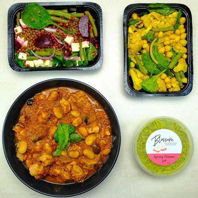 Dinner tonight was courtesy of Blossum Catering, who deliver family friendly meals to homes across Perth. …. We had Beetroot, lentil & feta and turmeric roasted cauliflower & chickpea salads with Mediterranean olive chicken. I was really impressed with the quality and flavour of these dishes!  ….